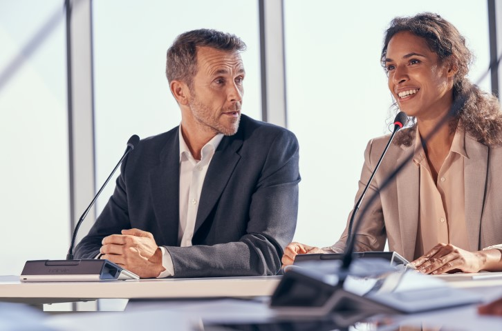 meeting with wireless discussion microphones by Televic